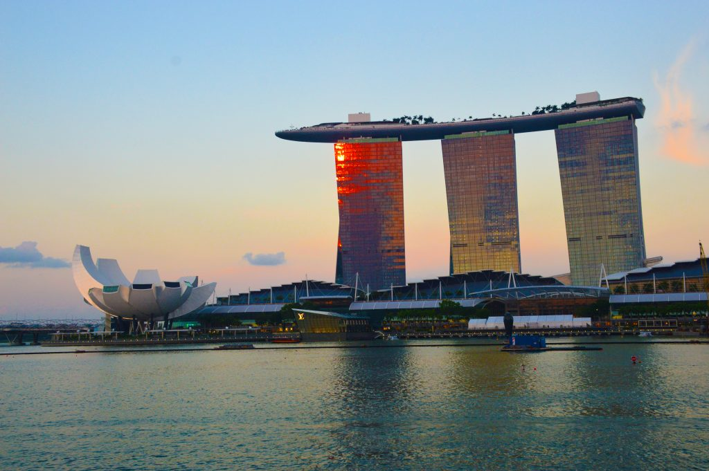 Marina bay Sands in Merlion park